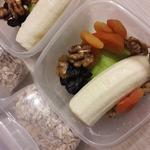 Завтрак:овсянка ,яблоко,банан,курага,изюм и грецкий орех.