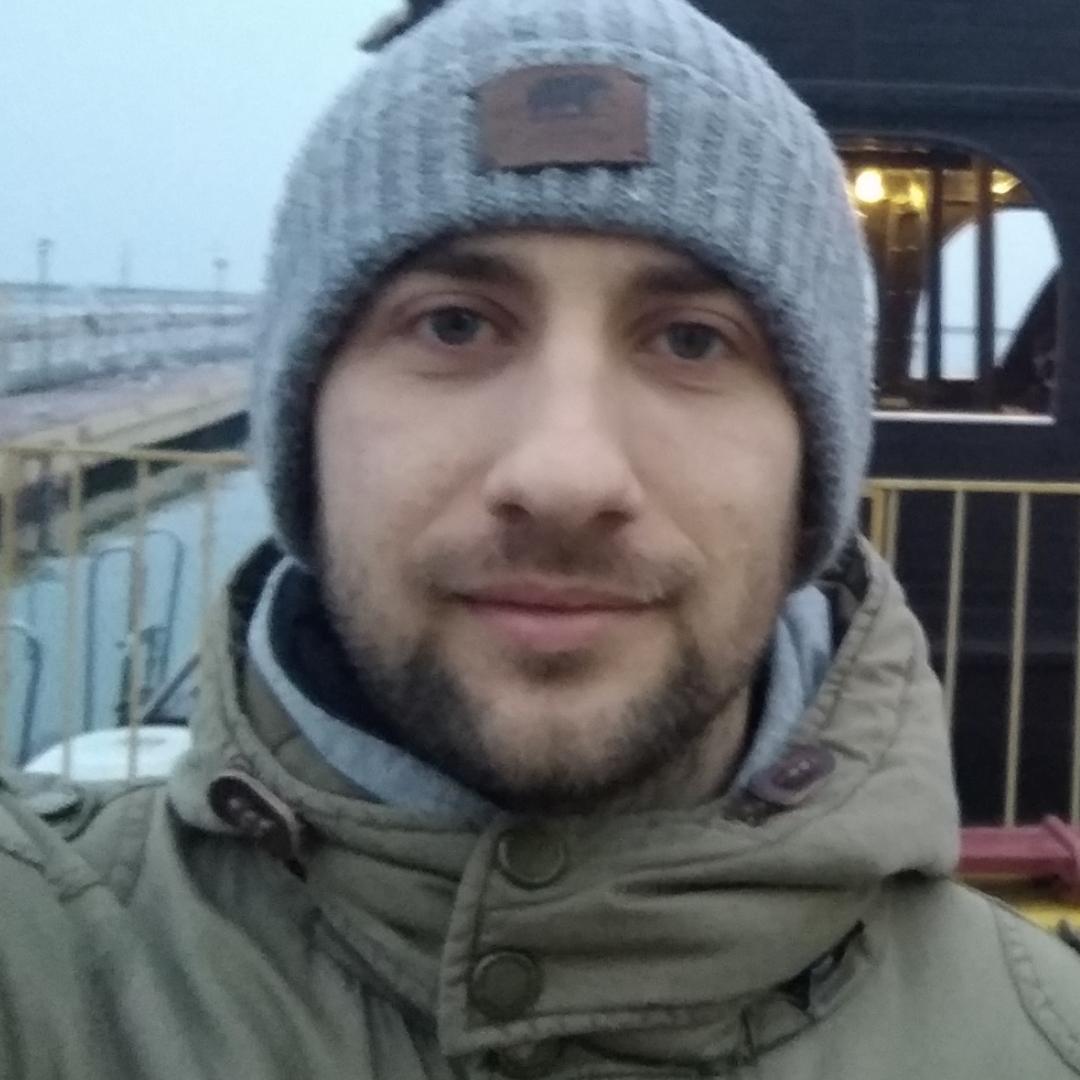 Артём В.