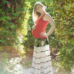 Зйомка вагітності в студії, чи на прогулянці