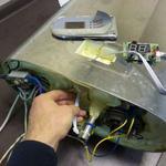 Ремонт и чистка бойлера Термекс. http://kabanchik.ua/task/199439-profilaktika-boilera