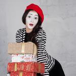 WOW-доставка и вручение подарков МИМами