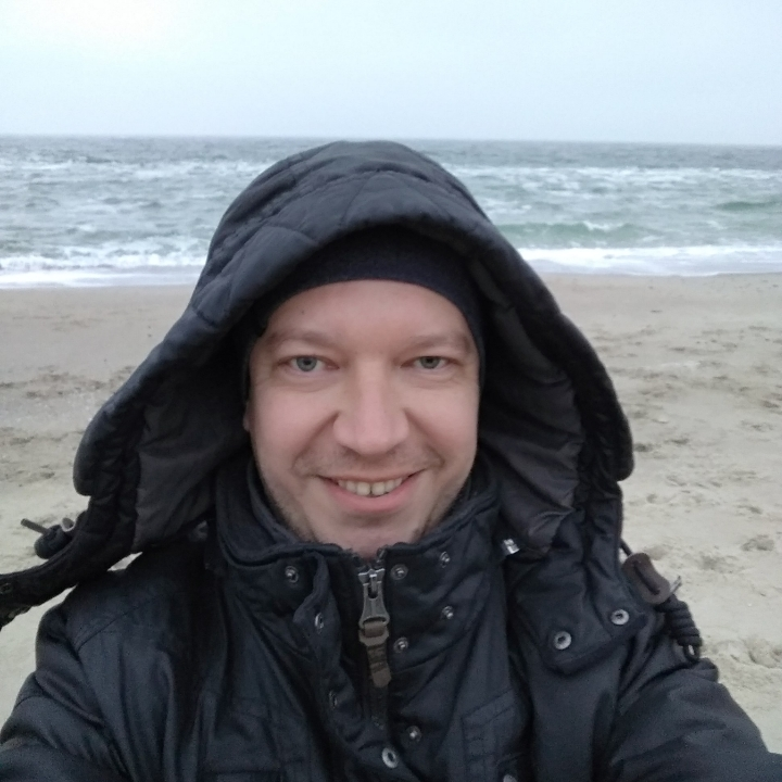 Роман Гладков