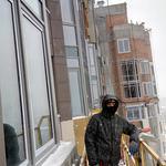 Монтаж стоично ригильной системы витража двух уровневой квартиры