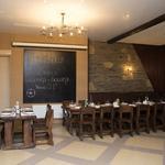 Изготовление деревянной мебели и декора для ресторана