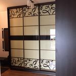 Изготовление шкафа купе с покраской стекла и рисунком